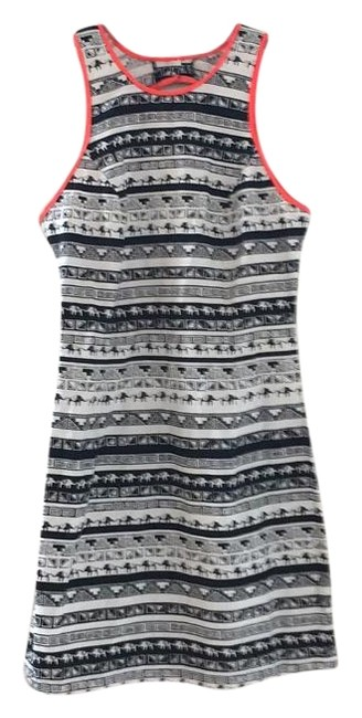 Item - Black and White Knee Length Short Casual Dress Size 4 (S)