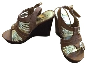 Madden Girl Brown and gold Wedges