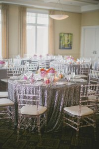 2 Pieces Sliver Round Sequine Table Cloth