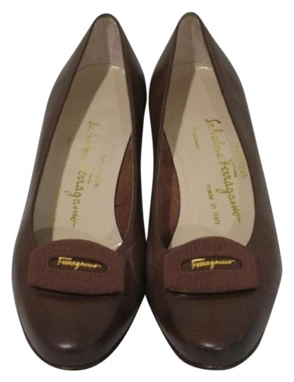 Preload https://img-static.tradesy.com/item/156850/salvatore-ferragamo-brown-designer-heels-pumps-size-us-85-0-0-540-540.jpg