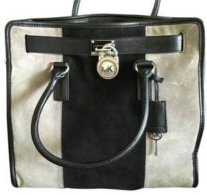 MICHAEL Michael Kors Tote in Black/Gray