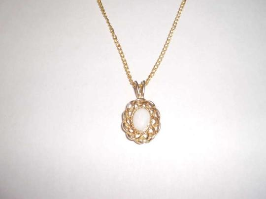 Unknown Vintage White fire opal on goldtone necklace