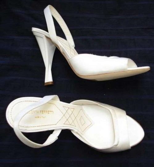 Alberta Ferretti White Satin Bridal Slingbacks Heels 38 Formal Size US 8 Regular (M, B)