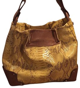 Jessica Simpson Satchel in Yellow snakeskin
