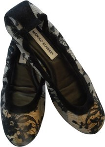 Manolo Blahnik Manolo Ballet Really Cute Black lace Flats