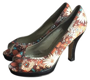 Madden Girl Orange and Brown Flower Platforms