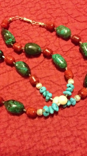 Other funky and sophisticated turquoise necklace