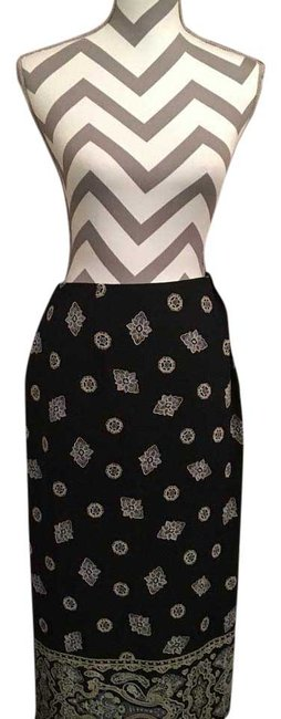 Preload https://item3.tradesy.com/images/chaus-navy-and-white-midi-skirt-size-16-xl-plus-0x-15700207-0-1.jpg?width=400&height=650