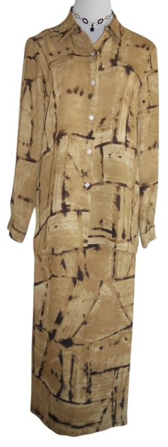 Preload https://img-static.tradesy.com/item/15701584/liz-claiborne-multi-color-tan-colors-collection-2piece-pristine-cond-size12-rn52002-skirt-suit-size-0-1-650-650.jpg
