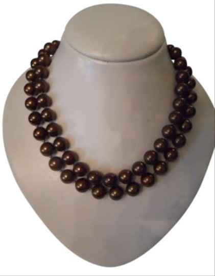 Preload https://item2.tradesy.com/images/bronze-carolee-faux-pearl-necklace-157021-0-0.jpg?width=440&height=440