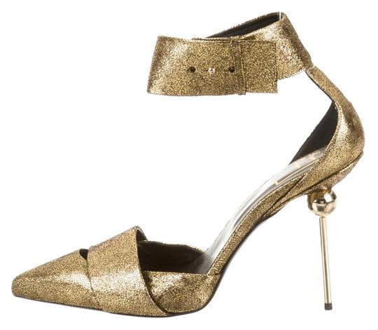 Preload https://img-static.tradesy.com/item/15702874/roger-vivier-gold-scotch-tape-pumps-size-eu-40-approx-us-10-regular-m-b-0-1-540-540.jpg