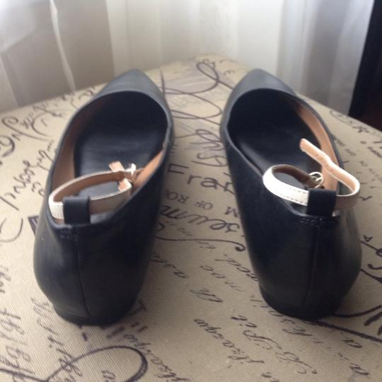 Banana Republic Black Ecru Flats
