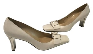 Stuart Weitzman Lining Silver Metal Buckle Ivory nappa leather Pumps
