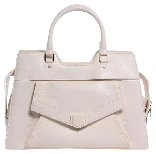 Preload https://item4.tradesy.com/images/proenza-schouler-buffalo-small-ps13-satchel-white-leather-shoulder-bag-15706123-0-2.jpg?width=440&height=440