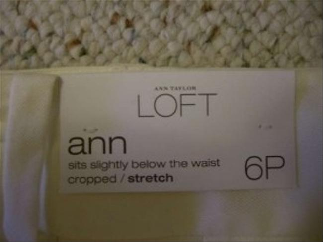 Ann Taylor LOFT Capri/Cropped Pants Cream