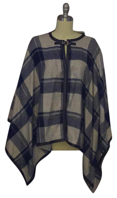 Preload https://item5.tradesy.com/images/h-and-m-blueplaid-ponchocape-size-os-one-size-15706744-0-1.jpg?width=400&height=650