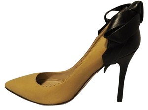 Valentino Luxury Bow Leather Classic Beige and Black Pumps