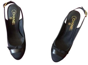Chanel Brand New Heel Small Logo black Pumps