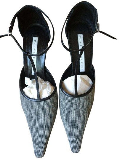 Preload https://img-static.tradesy.com/item/15708724/diego-dolcini-grey-pointed-toe-pumps-size-us-8-regular-m-b-0-1-540-540.jpg