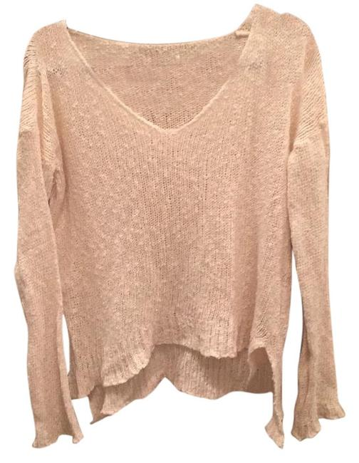 Preload https://img-static.tradesy.com/item/15708748/brandy-melville-cream-sweaterpullover-size-os-one-size-0-1-650-650.jpg