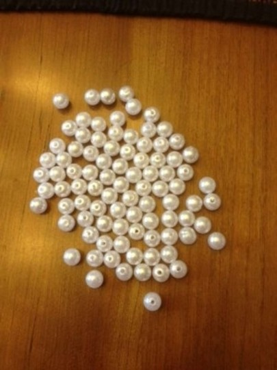 White Pearl 8 Mm Centerpiece