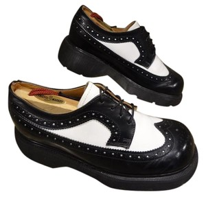 Dr. Martens BLACK Formal