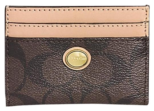 Preload https://img-static.tradesy.com/item/15712105/coach-browntan-peyton-signature-card-case-f62861-wallet-0-1-540-540.jpg