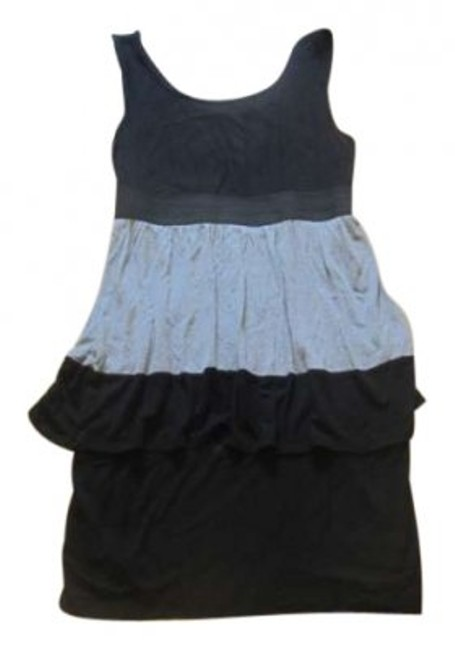 Preload https://item2.tradesy.com/images/maurices-black-and-gray-tiered-tank-summer-comfort-above-knee-short-casual-dress-size-10-m-157126-0-0.jpg?width=400&height=650