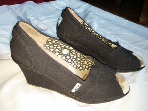 TOMS Black Canvas Peep Toe Wedges Size US 8 Wide (C, D)