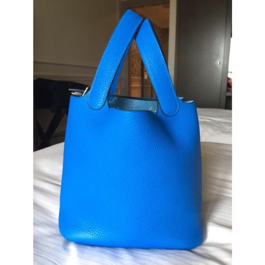 RARE! NEW Hermes Picotin 22 MM Bleu Hydra Clemence Leather Stamp X Tote in Bleu Hydra Image 2