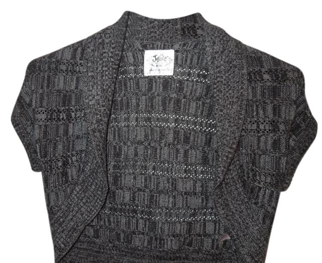 Preload https://item5.tradesy.com/images/justice-grey-black-white-sweaterpullover-size-8-m-15716764-0-1.jpg?width=400&height=650