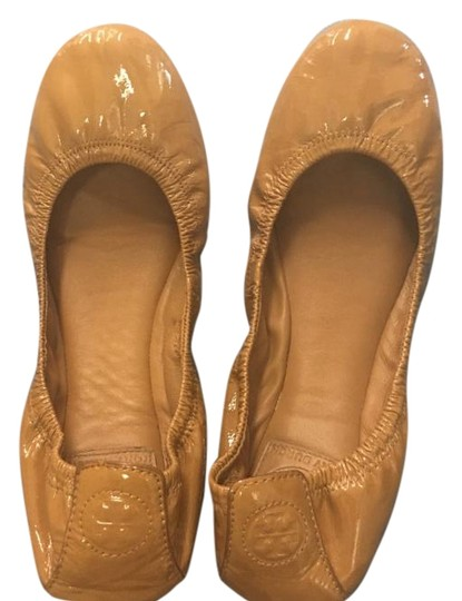 Preload https://img-static.tradesy.com/item/15718036/tory-burch-camel-flats-size-us-85-regular-m-b-0-1-540-540.jpg