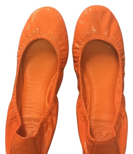 Preload https://img-static.tradesy.com/item/15718072/tory-burch-orange-flats-size-us-85-regular-m-b-0-1-540-540.jpg