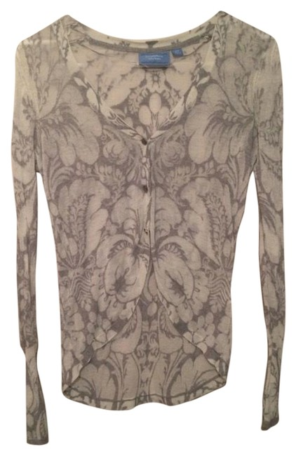 Preload https://item5.tradesy.com/images/simply-vera-vera-wang-off-white-and-grey-floral-cardigan-size-petite-4-s-15719209-0-1.jpg?width=400&height=650