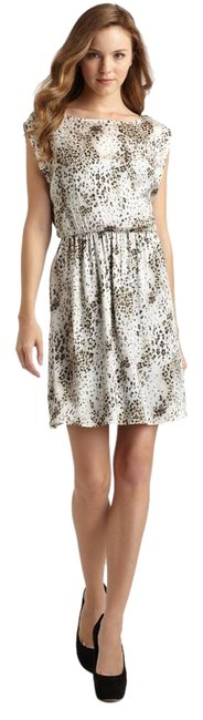 Preload https://item1.tradesy.com/images/alice-olivia-animal-print-genevieve-above-knee-cocktail-dress-size-4-s-15719290-0-1.jpg?width=400&height=650