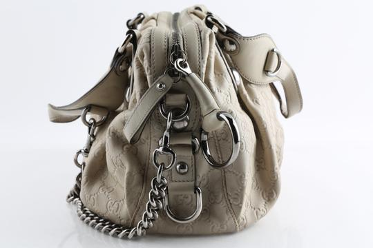 Gucci Embossed Leather Shoulder Tote in Beige Image 4