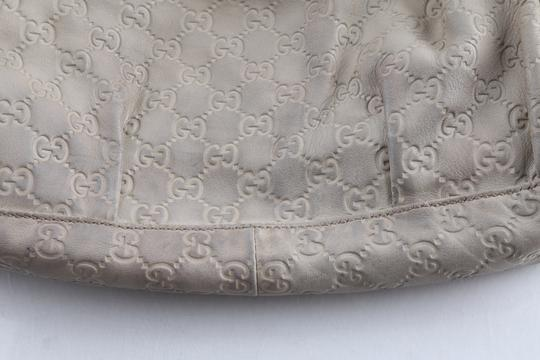 Gucci Embossed Leather Shoulder Tote in Beige Image 9