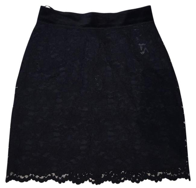 Preload https://img-static.tradesy.com/item/15720781/dolce-and-gabbana-skirt-size-4-s-27-0-1-650-650.jpg