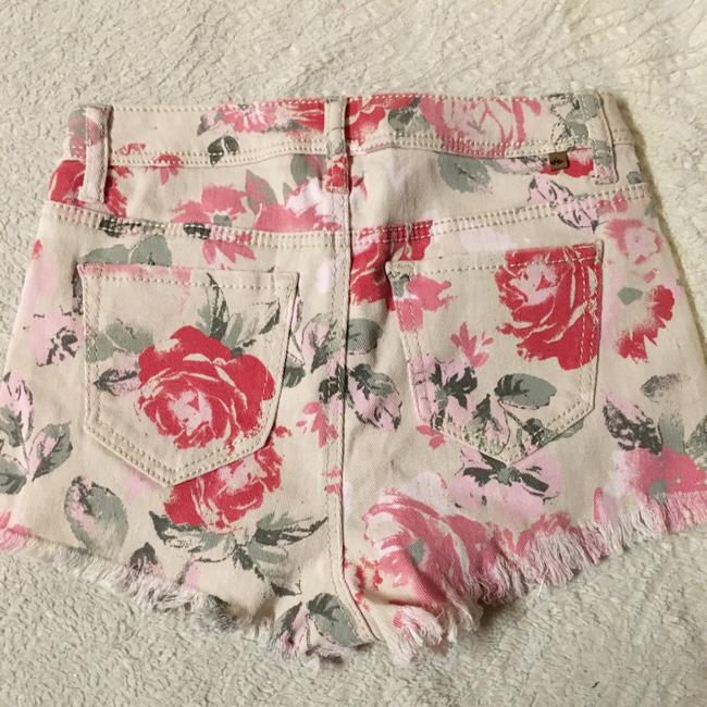Almost Famous Clothing Mini/Short Shorts Floral Image 3