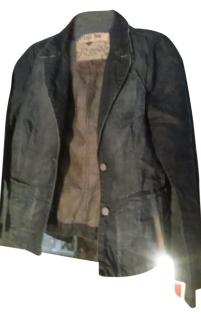 Preload https://img-static.tradesy.com/item/15724513/120-lino-dark-blue-in-italy-denim-jacket-size-6-s-0-1-650-650.jpg