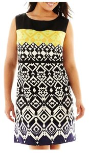 LUX II short dress Black/yellow Sheath on Tradesy