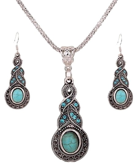 Preload https://img-static.tradesy.com/item/15726355/turquoise-womens-retro-rhinestone-earrings-set-necklace-0-1-540-540.jpg