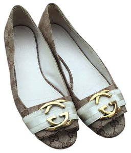 Gucci Beige and white Flats