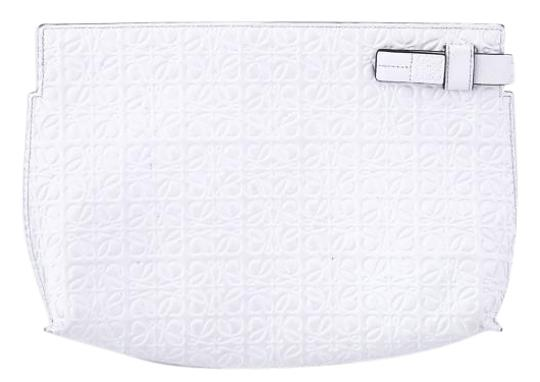 Preload https://img-static.tradesy.com/item/15731044/loewe-medium-pouch-white-embossed-leather-clutch-0-1-540-540.jpg