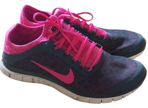 Nike Pink wirh cheetah print Athletic