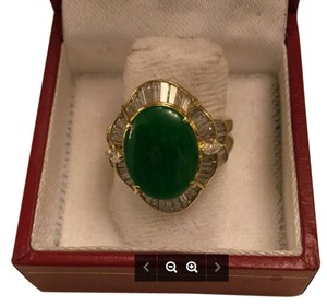 Beautiful Jade ring with 1 carat diamonds