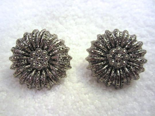 Miriam Haskell Vintage LARGE ORNATE SCREW CLIP SILVER TONE EARRINGS SIGNED --SUPERB! Image 1