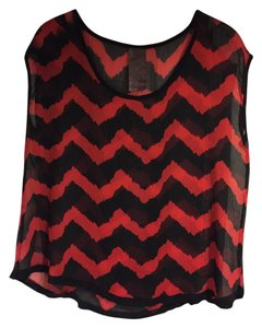 Wallpapher Chevron Sheer Top Black and Red