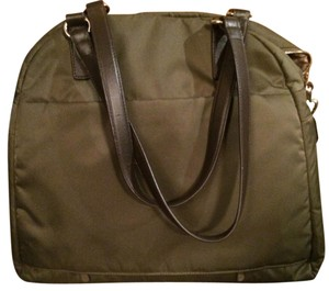 Lo & Sons Green Travel Bag