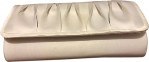 La Regale White Clutch